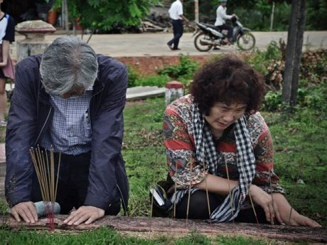 Giao su Han Quoc quy goi de 'Thanh that xin loi Viet Nam' - Anh 9