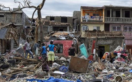 Bao Matthew day Haiti roi vao mot cuoc khung hoang nhan dao toi te - Anh 1
