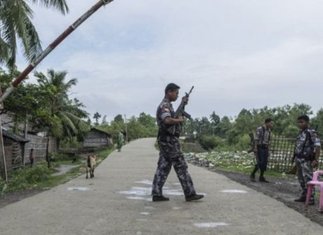 Myanmar: Dung do o bang Rakhine, 12 linh bien phong thiet mang - Anh 1