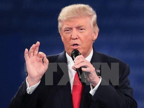 Ekip cua ong Donald Trump chi trich bao chi dung chuyen - Anh 1