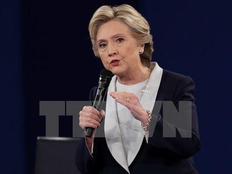 WikiLeaks tiep tuc cong bo cac thu dien tu lien quan toi ba Clinton - Anh 1