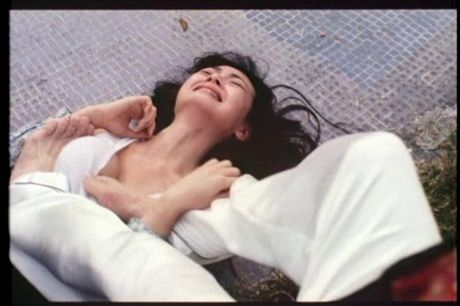 Nhung thuoc phim dua ngoc nu Hong Kong tro thanh nu than phim 18+ - Anh 3