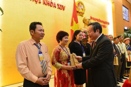 Pho Chu tich Quoc hoi: Nong dan can lien ket de lam an lon - Anh 1