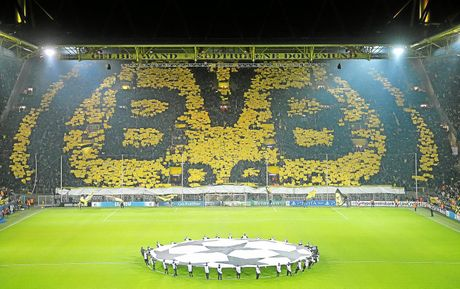 Bundesliga va nhung 'chao lua' cuong nhiet nhat the gioi - Anh 2