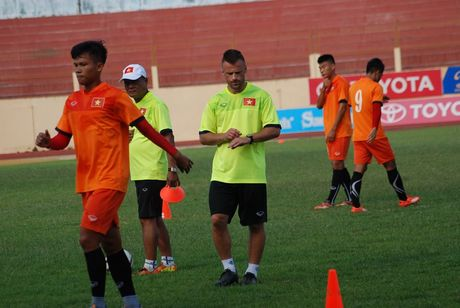 Chan dung 'nguoi thoi suc' cho DT Viet Nam truoc AFF Cup - Anh 4