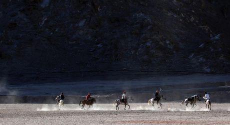 Cuoc song o vung dat 'Tieu Tay Tang' tren nui Himalaya - Anh 8