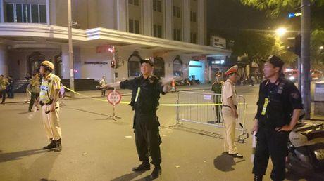 Chay nha hang gan xuong in tren pho Hai Ba Trung - Anh 2