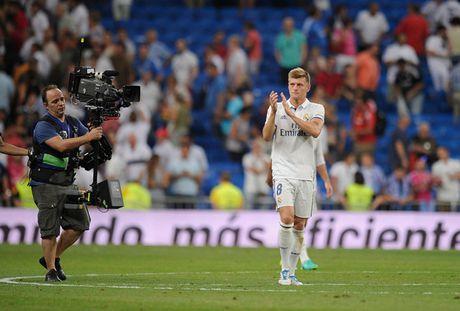 Real Madrid dua Kroos thanh cau thu Duc nhan luong cao nhat the gioi - Anh 1