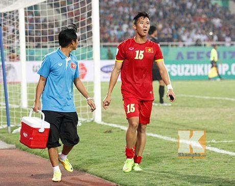 "HLV Huu Thang mang ""thuong binh"" di tap huan o Han Quoc - Anh 1"