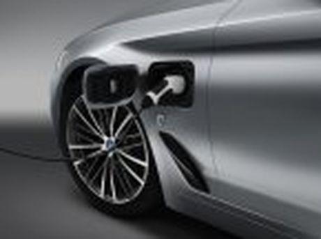 BMW 5-Series 2017 hoan toan moi; dep hon, thanh thoat hon, nhieu cong nghe hon - Anh 23