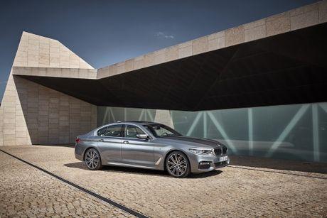 BMW 5-Series 2017 hoan toan moi; dep hon, thanh thoat hon, nhieu cong nghe hon - Anh 2