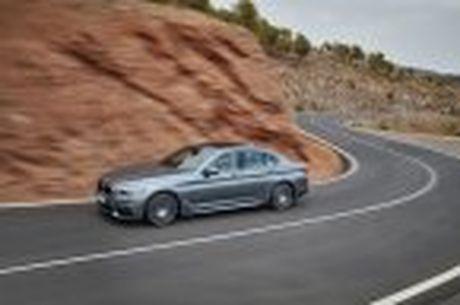 BMW 5-Series 2017 hoan toan moi; dep hon, thanh thoat hon, nhieu cong nghe hon - Anh 31
