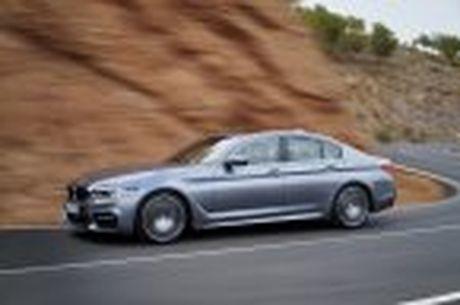 BMW 5-Series 2017 hoan toan moi; dep hon, thanh thoat hon, nhieu cong nghe hon - Anh 32