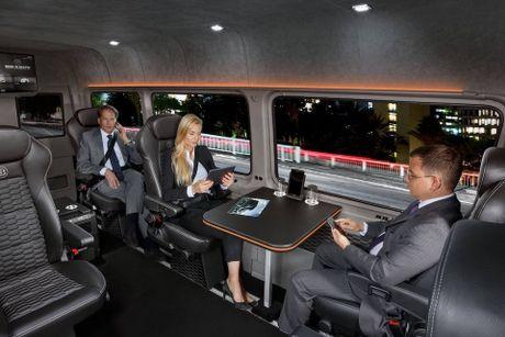 Brabus do Mercedes Sprinter thanh 'van phong di dong' cao cap, gia 224.910 Euro - Anh 1