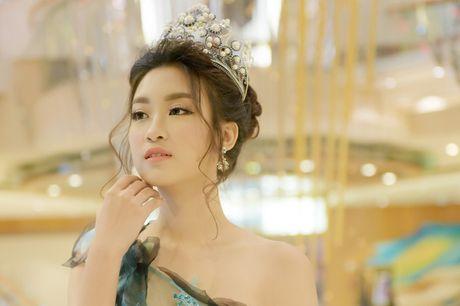 Hoa hau My Linh toa sang voi ve dep long lay o Dai Loan - Anh 1