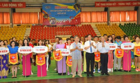 Ngay hoi the thao trong CNVCLD nganh Y te Thu do nam 2016 - Anh 1