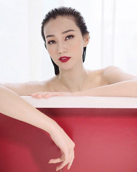Khanh My nude trong bon tam khoe da trang non - Anh 3
