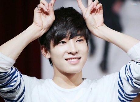 Idol Kpop dinh chan thuong, do benh hang loat - Anh 9