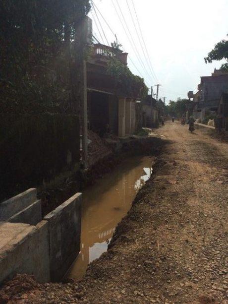 Duong 516C, thi cong rua bo nghi ngai chat luong cong trinh - Anh 1
