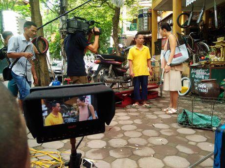 Vi sao phim sitcom Viet co chuyen 'Dong nguoi, cuoi... khong to'? - Anh 6