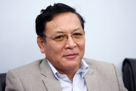 Nguyen Bo truong GD&DT nhan nhiem vu moi tai DH Thuong mai - Anh 1