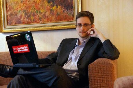 Nga kien quyet khong giao nop Eward Snowden cho My - Anh 1