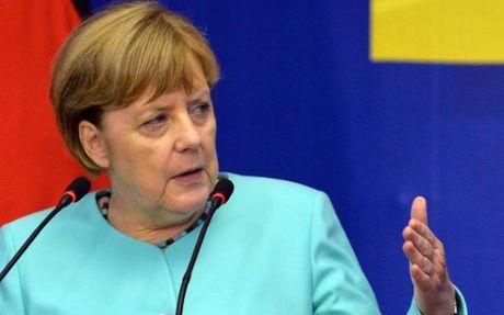 Thu tuong Merkel van 'sang gia' nhat tren chinh truong Duc - Anh 1