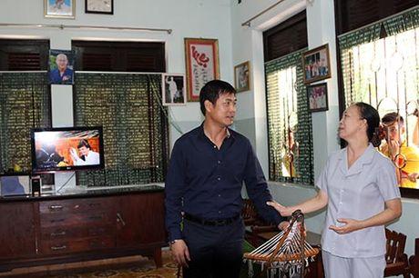 DT Viet Nam: Hang tram em nho cho xin chu ky Cong Vinh - Anh 6