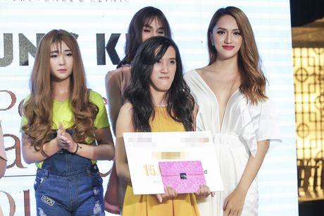 Huong Giang Idol quyen ru khi ngoi 'ghe nong' - Anh 10