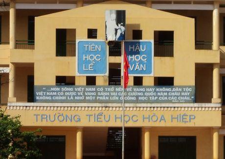 Truong hoc treo khau hieu... tuy tien - Anh 1