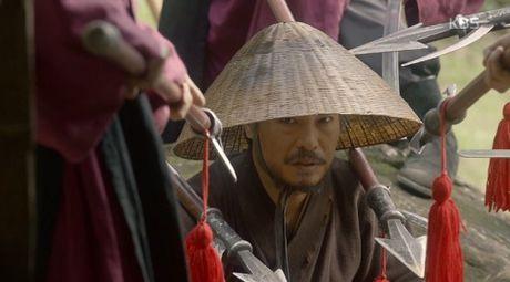 Phim May Hoa Anh Trang tap 16: Thai tu Lee Young bi ep phai giet Ra On - Anh 1