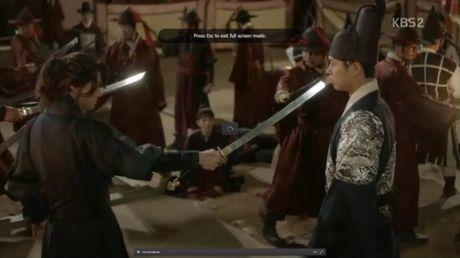 Phim May Hoa Anh Trang tap 16: Thai tu Lee Young bi ep phai giet Ra On - Anh 8