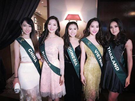 Dien vay giong Pham Huong, Nam Em gay chu y tai Miss Earth 2016 - Anh 4