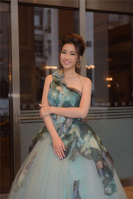 Hoa hau Do My Linh hoa than thanh nang cong chua xinh dep tai Dai Loan - Anh 4