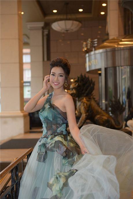 Hoa hau Do My Linh hoa than thanh nang cong chua xinh dep tai Dai Loan - Anh 5