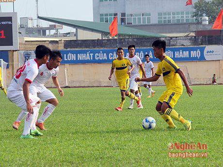 Doi U21 khong qua noi vong loai, SLNA trang tay o cac giai tre - Anh 1