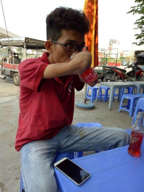 Chang shipper khong tay 8X tai Ha Noi: 'Tan nhung khong phe' - Anh 1