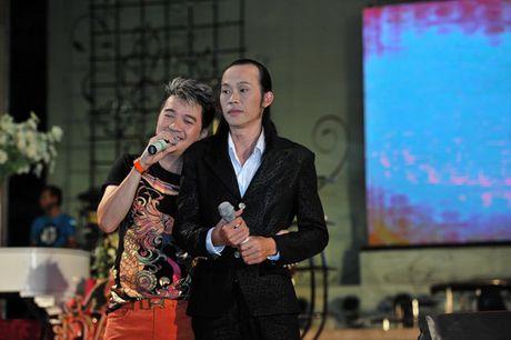 Dan em dang anh thach thuc Ngoc Trinh; tiet lo ly do MC Phan Anh cao troc dau - Anh 7