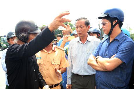 Nguoi dan mang xac ca chet do ra quoc lo, duong di Vung Tau tac nghen - Anh 10
