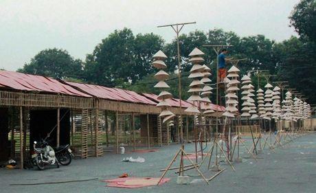 Hang ngan chiec den non trang hoang cho Festival Ao dai 2016 - Anh 2