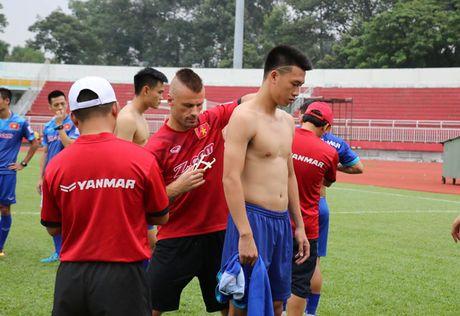 Thay ngoai nuc no khen Cong Vinh - Anh 1