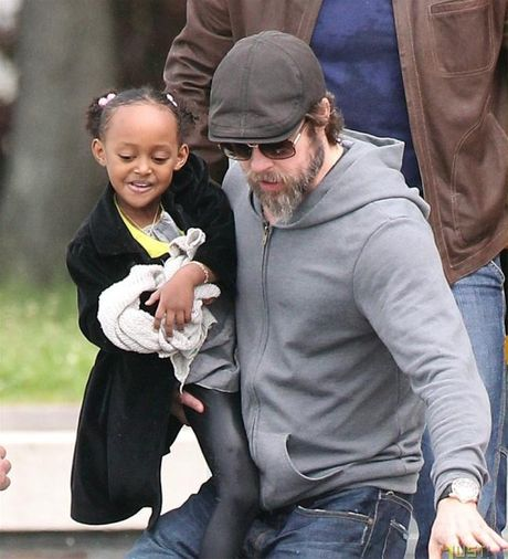 Cha con Brad Pitt bat khoc khi doan tu, cac con hoi bao gio duoc ve mai am cung cha - Anh 3