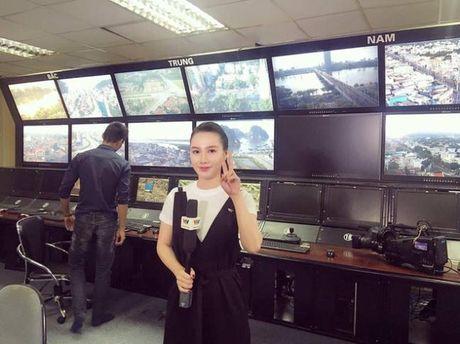 MC Minh Ha van song binh than, an nhien sau scandal la ke thu ba - Anh 3