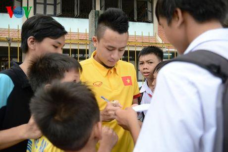 DT Viet Nam den tham lang tre SOS truoc ngay sang Han Quoc - Anh 5