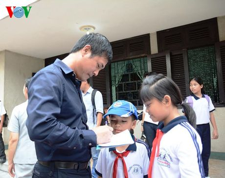 DT Viet Nam den tham lang tre SOS truoc ngay sang Han Quoc - Anh 6