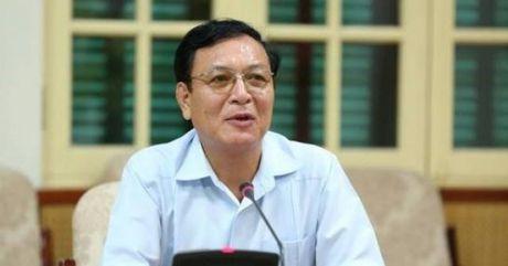 Nguyen Bo truong Pham Vu Luan khong ve truong de... dung lop - Anh 1