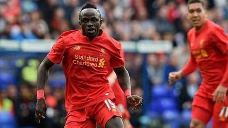 Doi hinh ket hop Liverpool vs M.U: Hang cong sieu khung - Anh 4