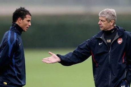 Arsene Wenger bi tro cu to that hua - Anh 1