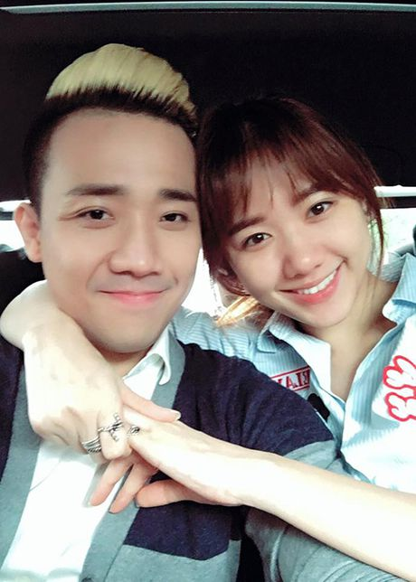 Hari Won tuoi tan ben Tran Thanh sau ca phau thuat - Anh 2