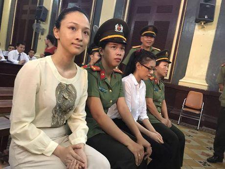 Dieu tra lai toan bo loi khai cua hoa hau Phuong Nga - Anh 2